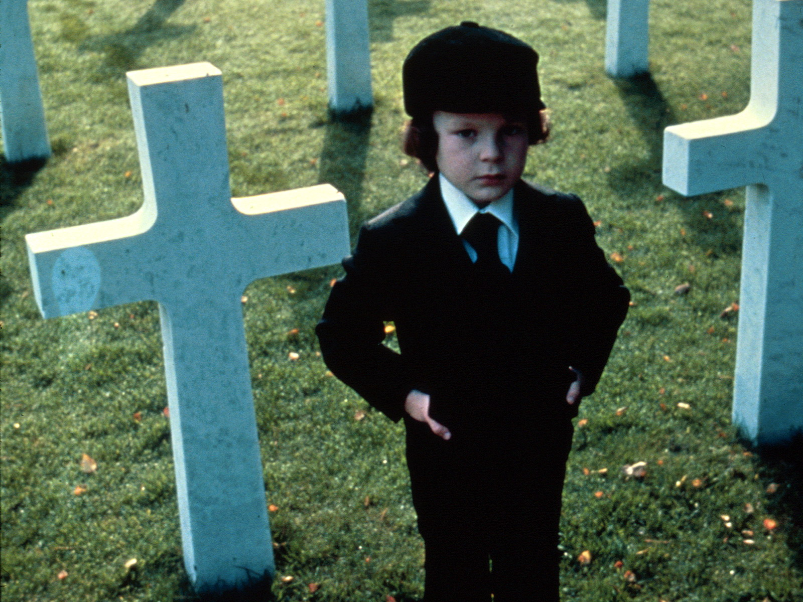 19958_omen_or_the-omen_1600x1200_(www.GdeFon.ru).jpg