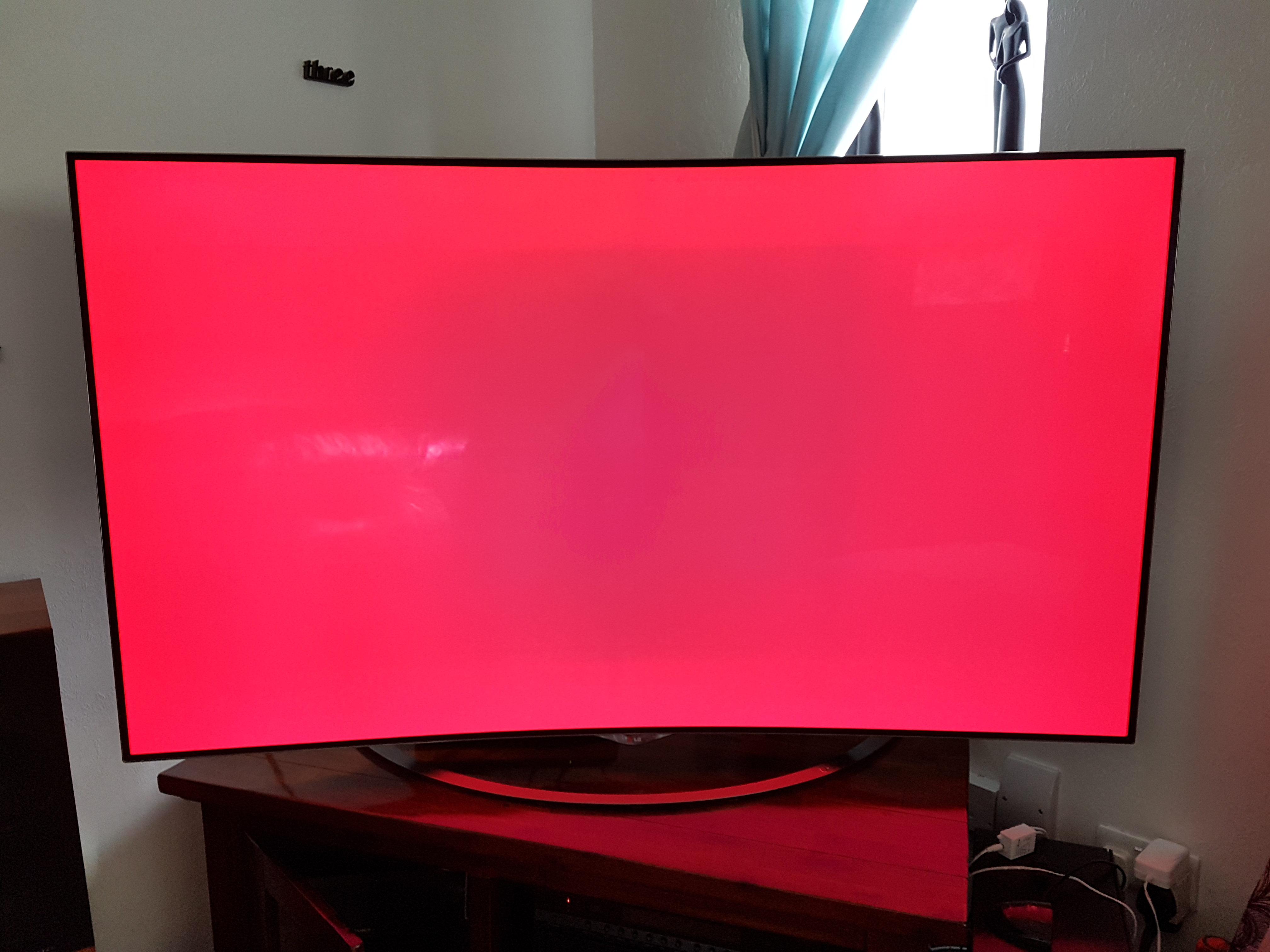 HELP- green spot in middle of LG OLED | AVForums