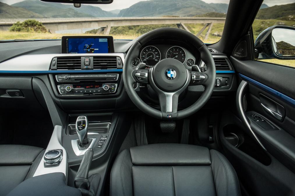 bmw-4-series-coupe-2013-uk-interior.jpg