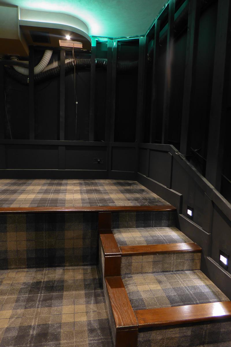 Cinema Build-1040832.jpg