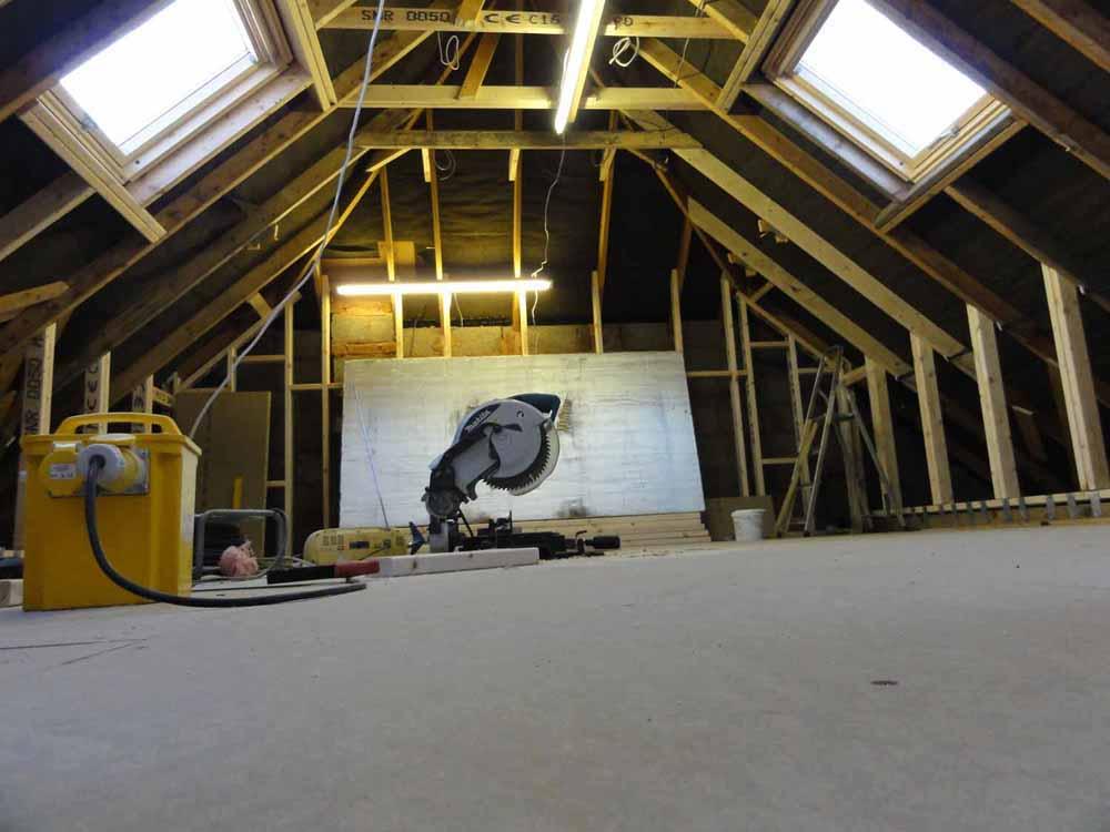 DSC01105-loft-home-cinema-saw.jpg