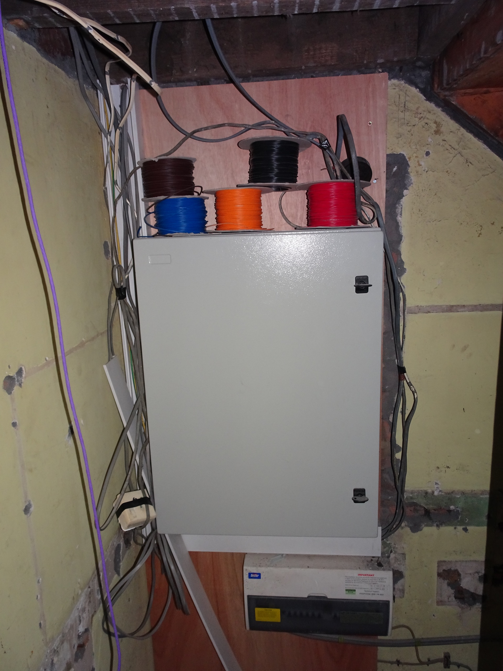 Multi Room Av Home Automation Project Page 2 Avforums For Wiring Required Dsc02731