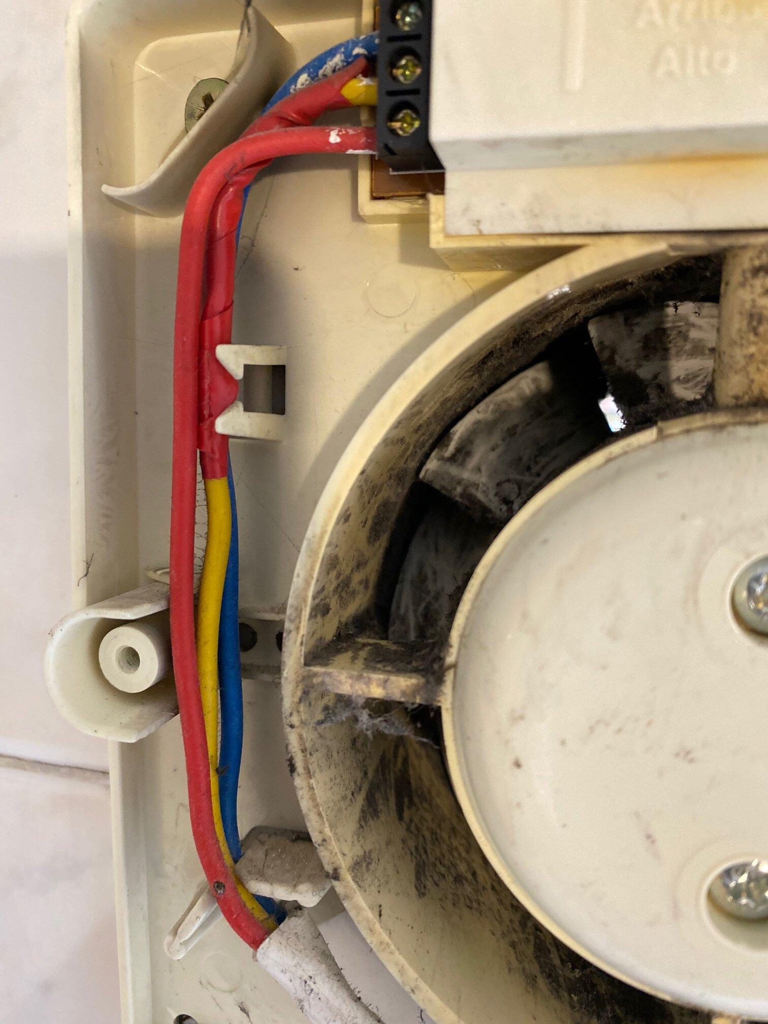 How to wire bathroom extractor fan | AVForums Wiring Extractor Fan on blade fan, barrel fan, tube fan, clip fan, fan fan, iron fan, cylinder fan, heater fan, vacuum fan, tripod fan, oven fan, light fan, stove fan, evaporator fan, cabinet fan, compressor fan, animated fan, upright fan, vent fan, hive fan,