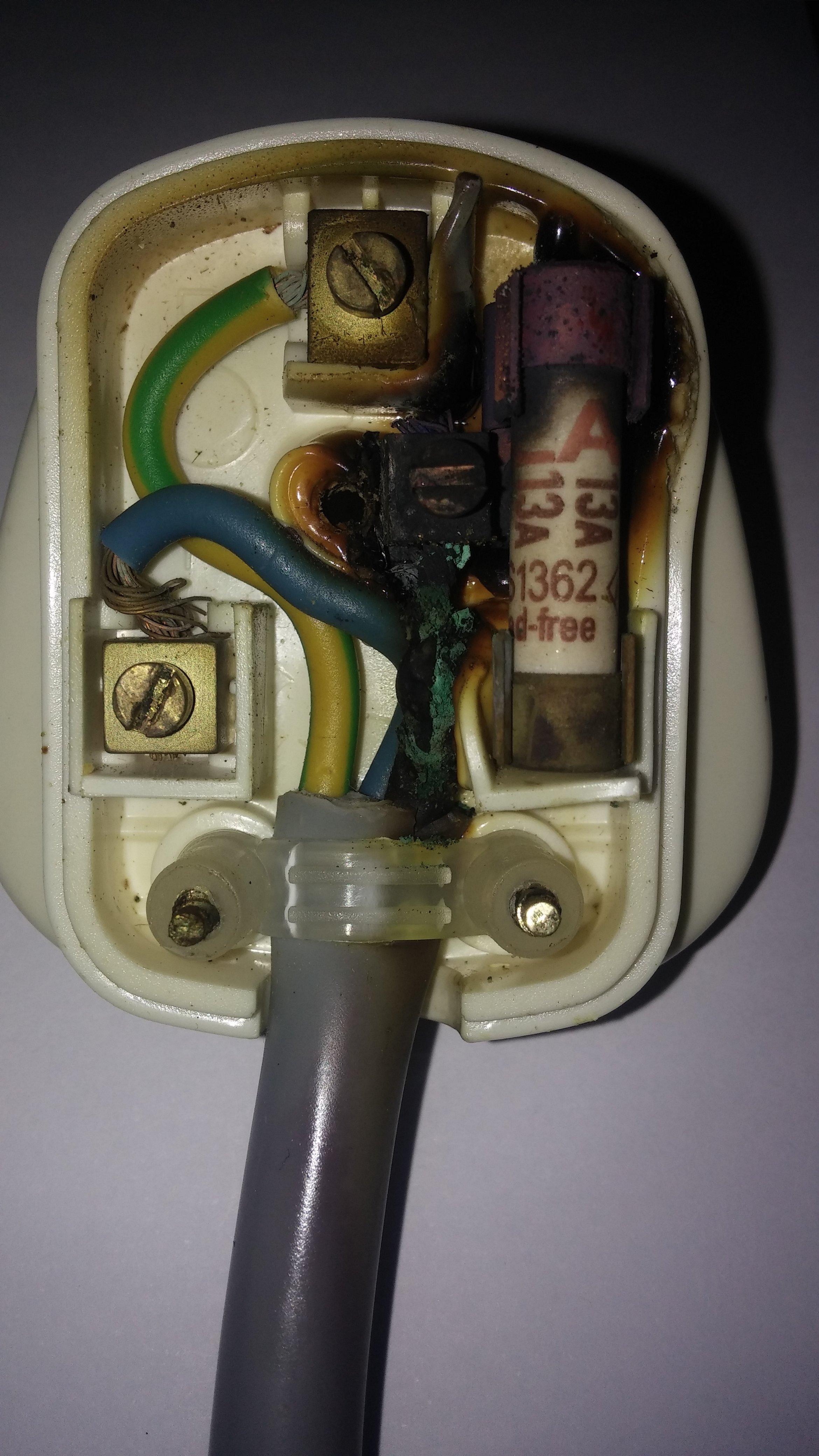 Plug2.jpg