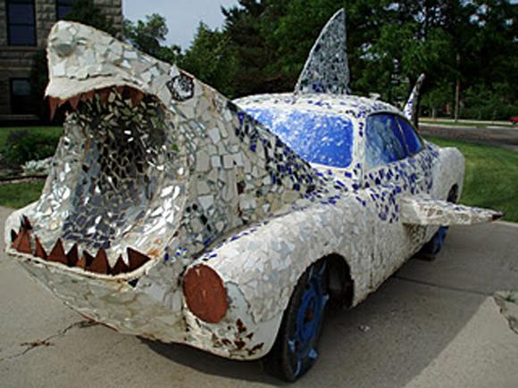 Shark_art_car_central_01.jpg