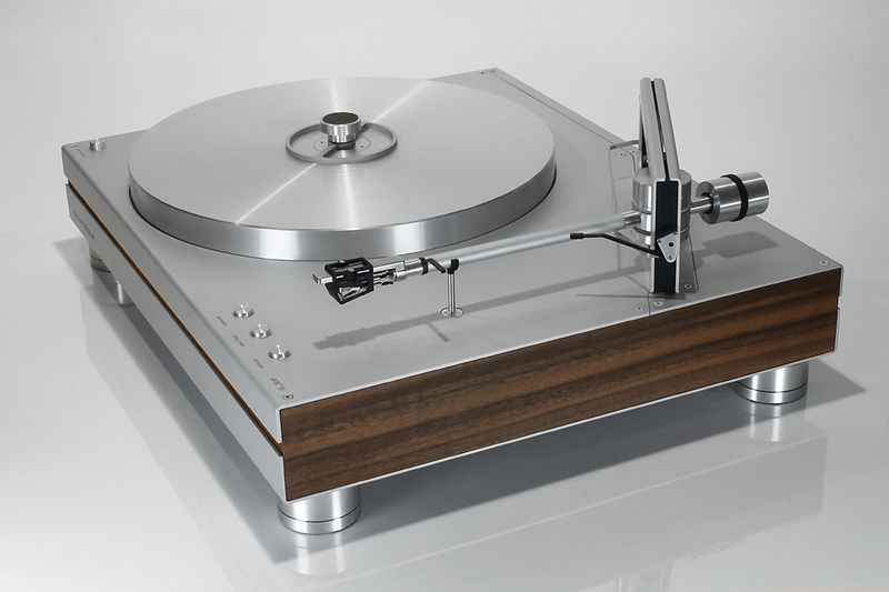 Turntable_PS2_Persp_Front.jpg
