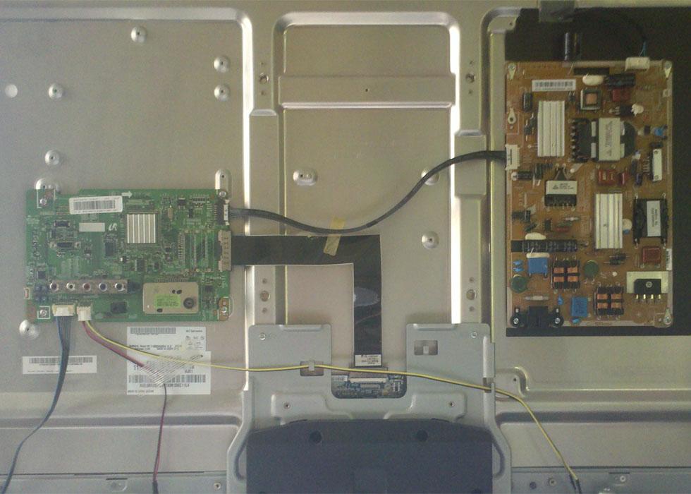 Samsung LED UE40D5520 - Dark area on screen problem | AVForums