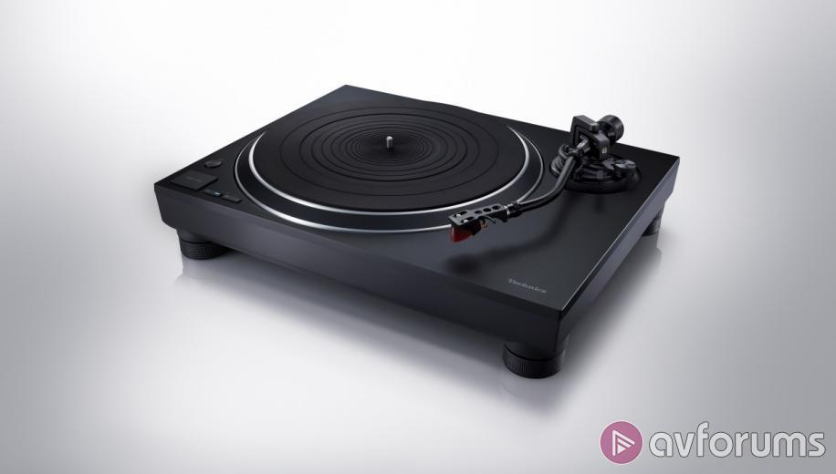 CES 2019 News: Technics unveils Premium Class SL-1500C direct drive turntable