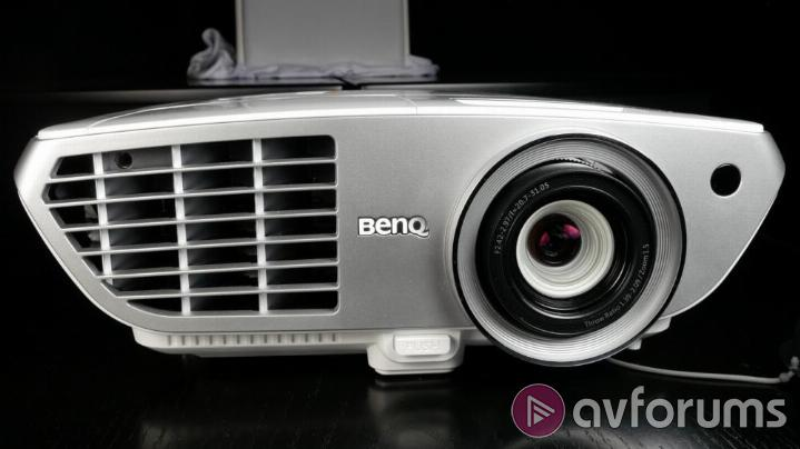 BenQ W1350 Design, Connections and Control.