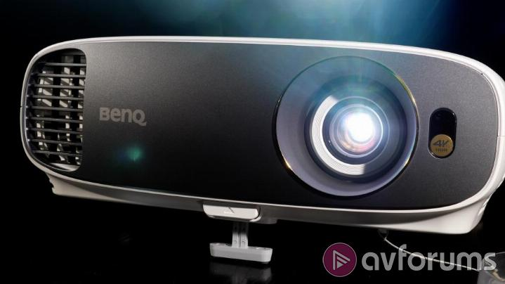 BenQ W1700 Features and Specs