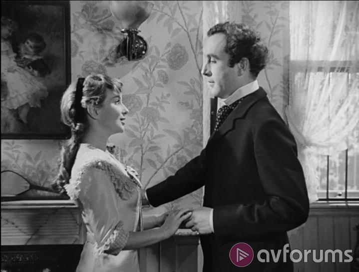 Kind Hearts and Coronets Extras