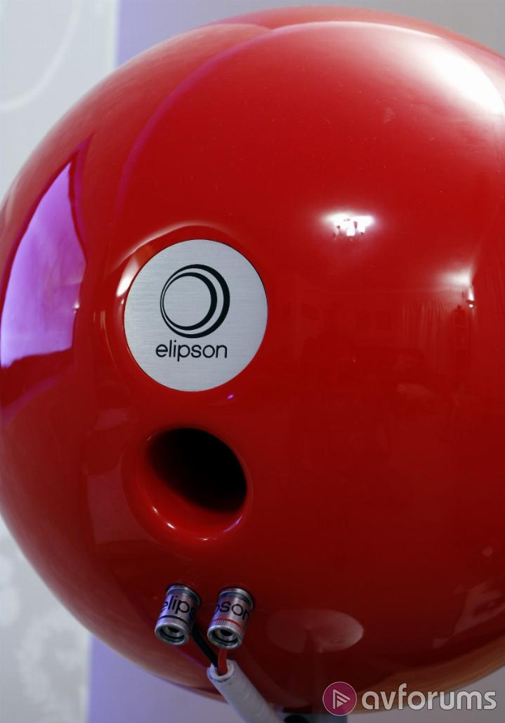 Elipson Planet L Listening