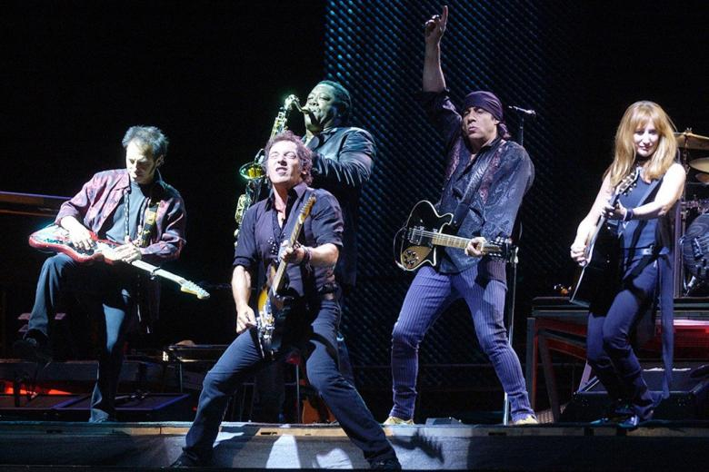 Bruce Springsteen & The E Street Band - Live In Barcelona DVD Review