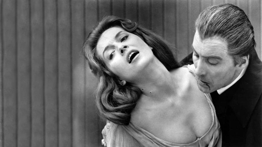 Dracula: Prince of Darkness Movie Review