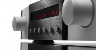 UK Debut for Mark Levinson's Reference No.52 Preamplifier