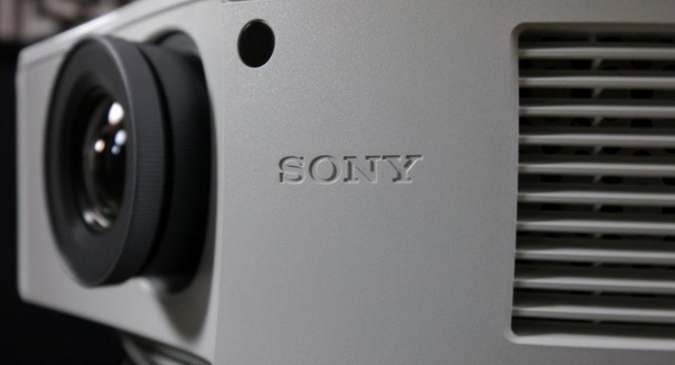 Sony VPL-HW55ES 3D Projector Review