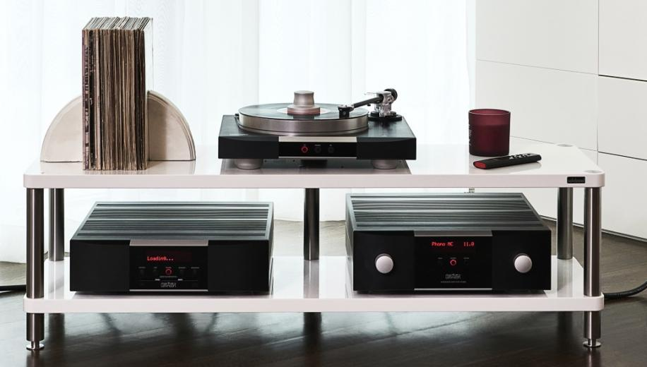Mark Levinson expands 5000 Series with amplifiers and players
