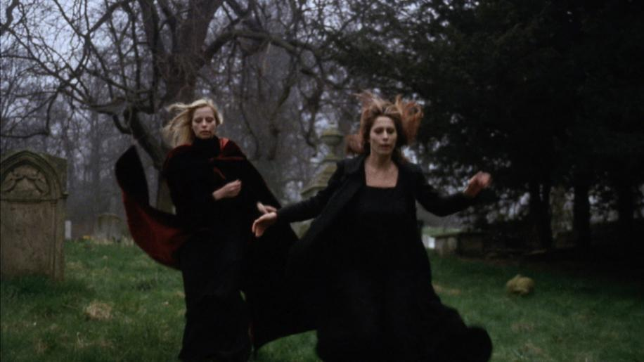 Vampyres Review