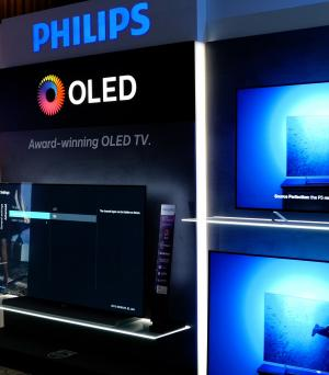 Philips talk OLED and LCD TVs, P5 processing and HDR10+