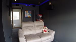 From the Forums: DIY Garage Home Cinema Conversion