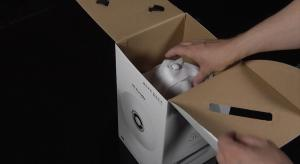 VIDEO: Unboxing the Samsung R6 360 Wireless Speaker