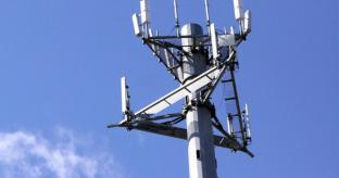 EE turns on 4G for 14 new Towns