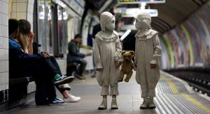 Miss Peregrine's Peculiar Children Go Sightseeing in London