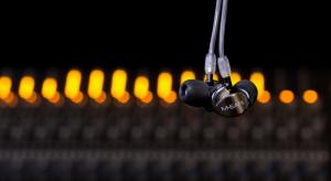 Audiolab M-EAR 2D and 4D earphones launching