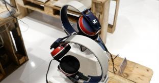 VIDEO: CES 2015: Sennheiser headphone stand tour