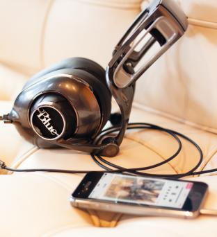 Blue Mo-Fi Stereo Headphones Review