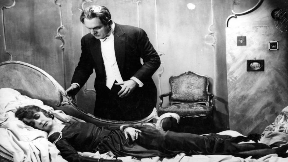 Dr. Mabuse: The Gambler Review
