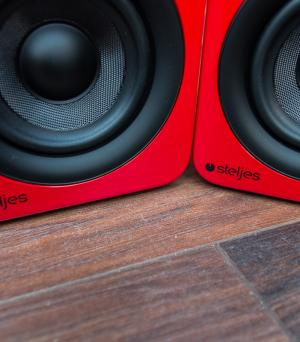 Steljes Audio NS3 Active Bluetooth Speaker Review