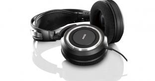 AKG K540 Stereo Headphones Review
