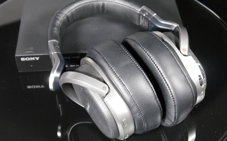 Sony MDR-HW700DS  Headphones Review